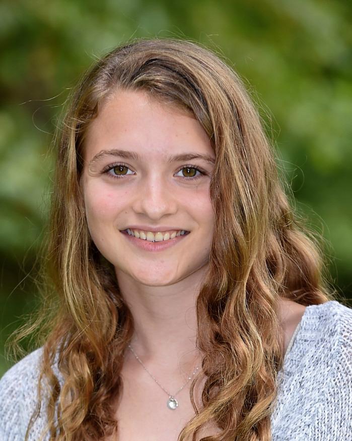 Eva Schiller '21