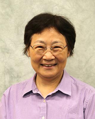 Dr. Chin-Shefi Joins Language Department